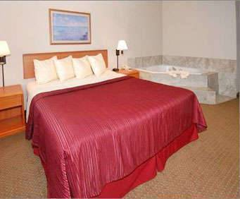 Photo of Quality Inn - Shepherd of the Hills Expressway Room
