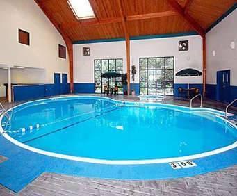 Quality Inn - Shepherd of the Hills Expressway Indoor Pool