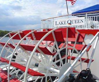 Branson Landing Cruises on Lake Queen, paddle boat