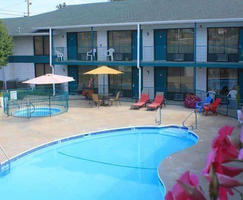 Outdoor Pool at Ozark Valley Inn