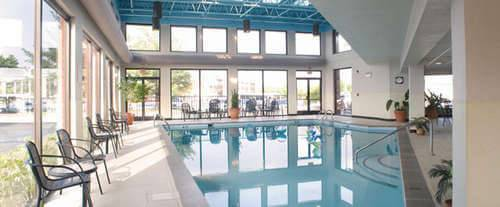 Guesthouse Inn & Suites Music Valley Indoor Pool
