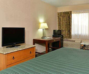 Photo of Quality Inn & Suites Centerville Room