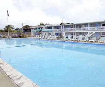 Outdoor Swimming Pool of Howard Johnson Inn Cape Cod