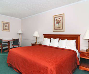 Quality Inn At Kingsmill Room Photos