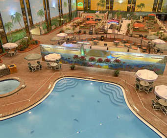 Ramada Maingate West Indoor Swimming Pool