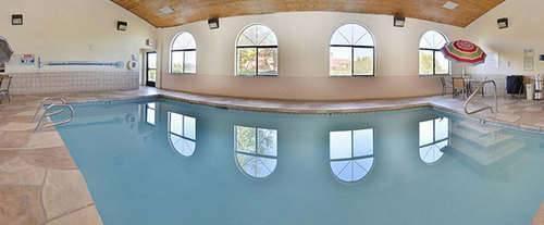 Americas Best Value Inn & Suites North / Albuquerque Indoor Swimming Pool