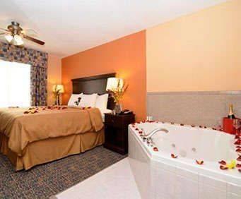 Comfort Suites Gateway Room Photos