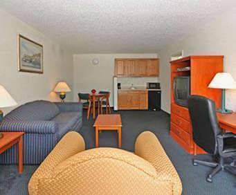 Quality Inn & Suites Hardeeville, SC  Room Photos