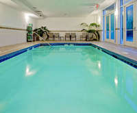 Holiday Inn & Suites Savannah Airport - Pooler Room Photos