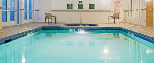 Outdoor Swimming Pool of Holiday Inn & Suites Savannah Airport - Pooler