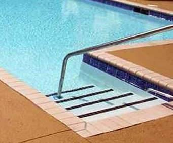 Outdoor Pool at Hampton Inn and Suites Savannah-Airport