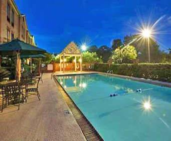 Outdoor Swimming Pool of Hampton Inn Savannah - I-95 North