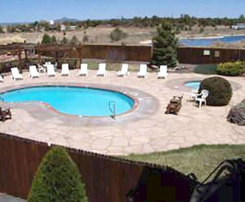 Outdoor Pool at Grand Canyon Inn