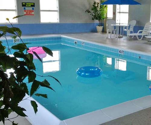 Brook Pointe Inn Indoor Pool
