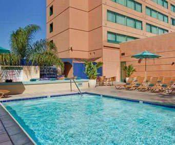 Outdoor Swimming Pool of Hilton San Diego Mission Valley