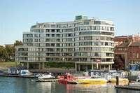 Exterior View of Victoria Regent Waterfront Hotel & Suites