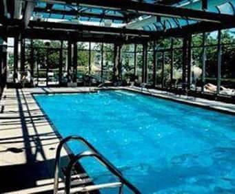 Delta Victoria Ocean Pointe Resort & Spa Indoor Pool