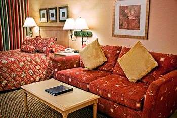 Accent Inn Victoria Room Photos