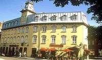 Exterior View of Hôtel Le Saint-Paul
