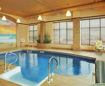 Quality Inn & Suites Levis Indoor Pool