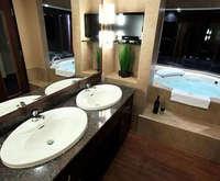 Quality Inn & Suites Levis Indoor Pool