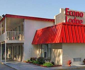 Exterior of Econo Lodge South Richmond