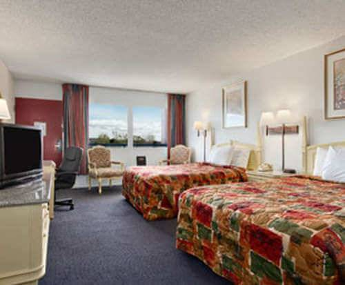 Photo of Days Inn Colorado Springs South Room