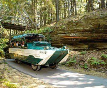 Wisconsin Ducks Sightseeing Cruise, amphibious vehicle
