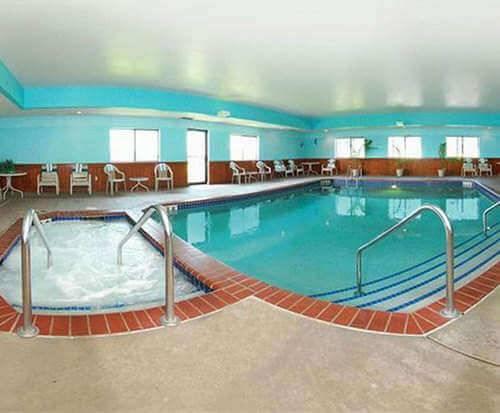 Quality Inn Reedsburg Indoor Pool
