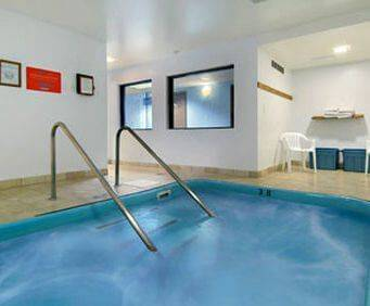 Travelodge Wisconsin Dells Indoor Pool