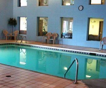 The Ridge Hotel Portage Indoor Pool