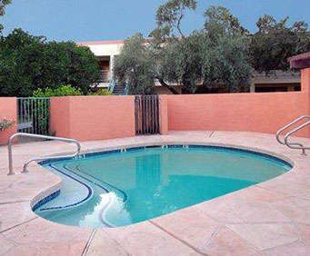 Outdoor Pool at Quality Inn & Suites Downtown