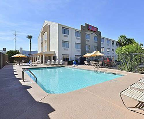 Outdoor Pool at Comfort Suites at Tucson Mall