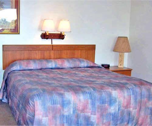 Casa Loma Motel on the Waterfront Room Photos