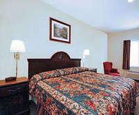 Econo Lodge Airport Jacuzzi Room Photo