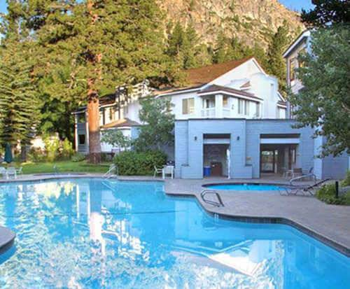 Outdoor Swimming Pool of Squaw Valley Lodge