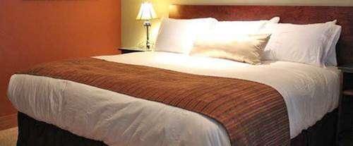 Photo of Avalon Lodge Hotel Room