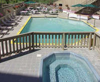 Outdoor Swimming Pool of Grand View Lodge