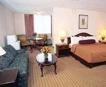 Quality Inn Maryland Heights Room Photos