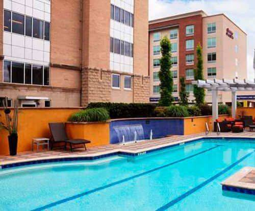 Outdoor Swimming Pool of DoubleTree by Hilton Chattanooga