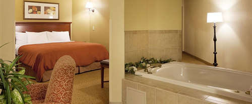 Photo of Country Suites By Carlson - Chattanooga at Hamilton Place Mall Jacuzzi Room