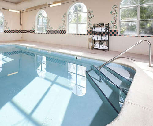 Country Suites By Carlson - Chattanooga at Hamilton Place Mall Indoor Swimming Pool