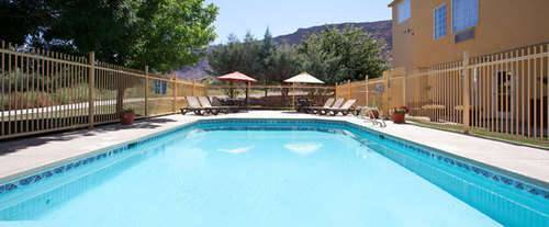Outdoor Swimming Pool of La Quinta Inn Moab
