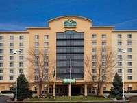 Exterior View of La Quinta Inn & Suites Cincinnati Sharonville