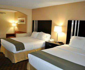 Room Photo for Holiday Inn Express Hotel & Suites Cincinnati-Blue Ash
