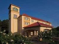 Exterior of La Quinta Inn & Suites Norfolk Airport