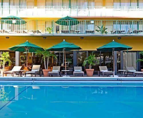 Outdoor Swimming Pool of Best Western Oceanside Inn