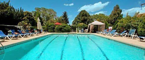 Outdoor Swimming Pool of El Rey Inn