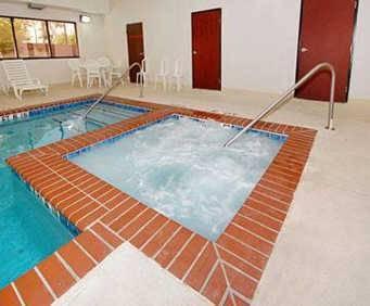 Comfort Inn & Suites Near Medical Center Indoor Swimming Pool