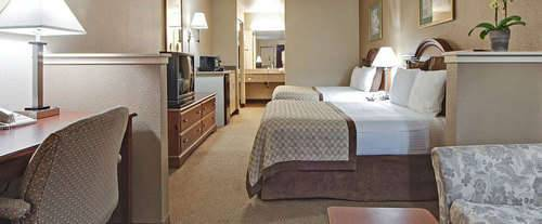Photo of Hawthorn Suites by Wyndham Napa Valley Room